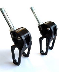 frog-legs-castor-forks